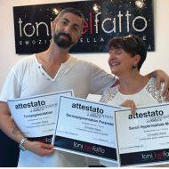 Remise de la certification Tricopigmentation à Christèle Niess par Toni BELFATTO, et inventeur aux côtés d'Ennio Orsini de la méthode de Tricopigmentation